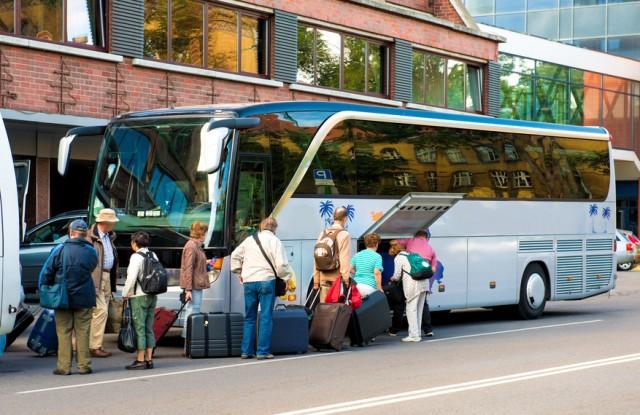 Empresa de transporte intermunicipal é responsabilizada por tombamento de ônibus