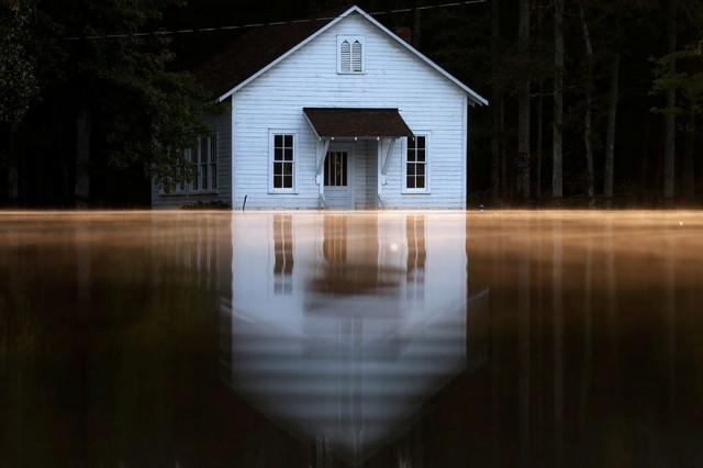 Morador que teve a casa inundada pela construção de viaduto deve ser indenizado por danos materiais